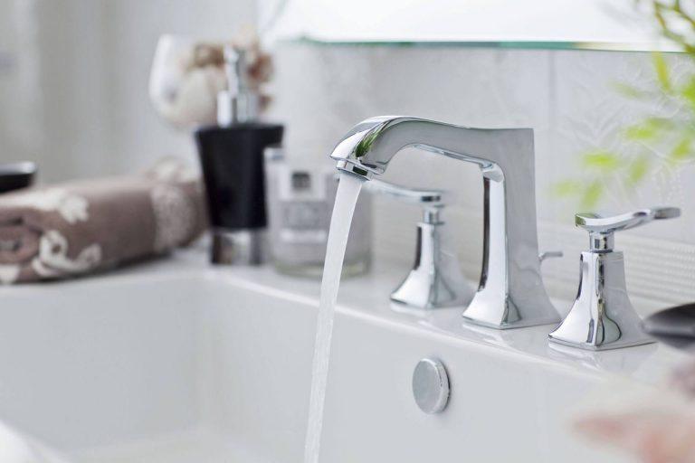 مخاطر تسربات الحمامات